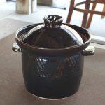 写真: 土楽窯 煮込み鍋 アメ釉